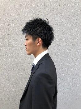 """レボルトヘアー(R EVOLUT hair)の写真/【柏駅5分】[カット¥3840/+パーマ¥6900]仕事帰りもOK◎""""R-EVOLUT""""による高い技術でON/OFFキマるスタイルに!"""