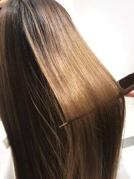 キャピタル(CAPITAL)の写真/<2019.10.2renewal>あなたの髪質・状態を見極めた最適な施術で、指通りなめらかな極上ストレートに変身♪