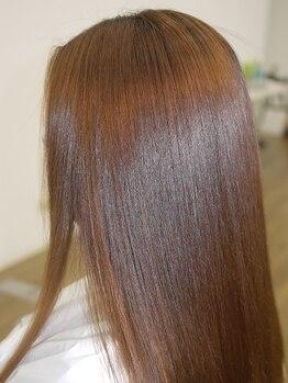 グラップ 中央林間店(gra up)の写真/【ケアドゥーエトリートメント¥2200】で髪が芯から潤い、ツヤ髪に♪縮毛矯正やカラーにプラスするのが◎
