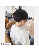 くせ毛を生かした刈り上げショートヘア