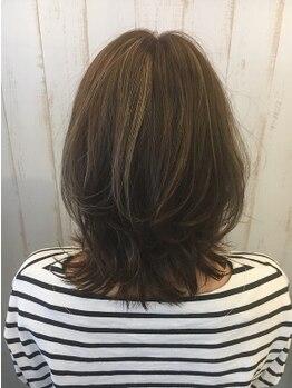 リルークヘアー(Riruuku.hair)の写真/頭皮に優しい◎オーガニックグレイカラー(白髪染め)が好評★ハイライトで動きのあるスタイルも人気♪