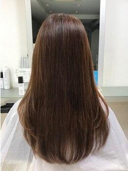 フレスカ ヘアーアンドメイク 笹塚店の写真/【カット受付平日21時まで】いつものカットにトリートメントを合わせて、指通りの良い艶髪をいつもキープ!