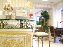 サクラトータルビューティー(SAKURA Total Beauty)の雰囲気(【エントランス】を入るとsweetな雰囲気の店内が広がります☆)