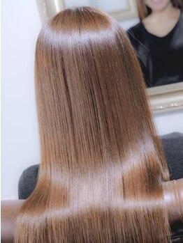 トリートメント サロン スローネ(Treatment Salon Throne)の写真/髪質改善☆[人気No.1髪質改善セラミドTR+カット¥6780]紫外線のダメージでまとまらない髪を,まとまる髪に★