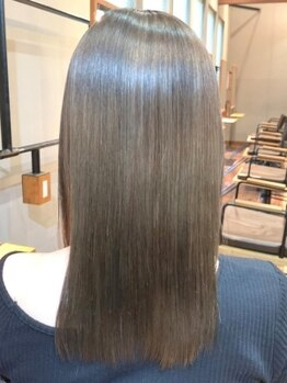 """カンカ(Kanca)の写真/""""髪質改善""""が出来る話題の酸熱トリートメント!クセやダメージにお悩みの方も、手触りサラサラなツヤ髪に!"""