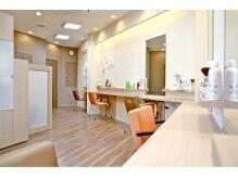 美容室デジャ・ヴュの雰囲気(明るくナチュラルな店内◇)