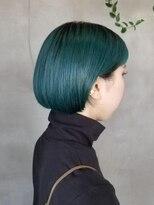 テトヘアー(teto hair)緑 グリーンカラー ボブ ミニボブ パッツン グラデーション