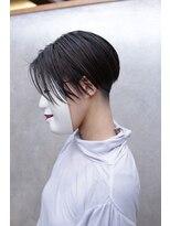 コマ(coma)【coma中野】 センターパート刈り上げ女子リヴァイヘア