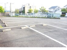 エクスペリエンス(experience)の雰囲気(近隣駐車場。広々としたスペースにゆったり駐車。女性も安心☆)