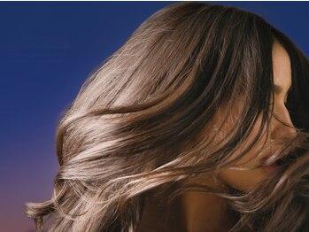 エウレカ(EUREKA)の写真/色持ちとツヤ感が長持ち!!9割が自然由来成分配合のカラー剤だから頭皮のダメージを少なくキレイに染まる♪