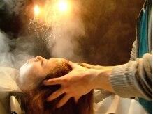 アクト ヘアメイク(Act HAIR MAKE)の雰囲気(ヘッドスパは、シャンデリアの光で照らされた癒しの空間で・・・)