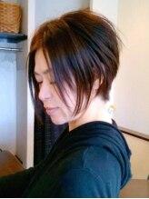 ワームス ヘア アンド アロマ(WARMTH Hair and aloma)小顔に魅せる、クールショートヘア