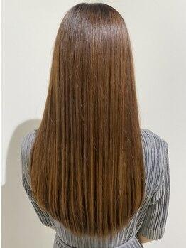 トゥリキャンバス(tRe canvas.)の写真/[tRe canvas.]の縮毛矯正で艶々ストレートに☆健康な髪の状態を維持しながら施術を行うからダメージレス◎