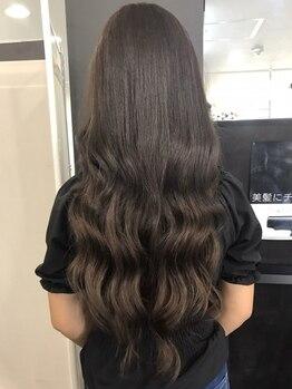 エスツー ヘアー(S2 hair)の写真/[24時間施術対応可能]太さ調整しオーダー通りのエクステの数を付着♪高級人毛100%無制限つけ放題もあり◎