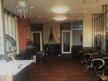 美容室 ジャヤ ジャヤ(Jaya Jaya)の雰囲気(アジアンテイストの店内で広々と♪くつろぎいただけます☆彡)