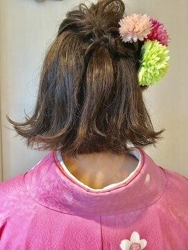 【年代別】卒業式におすすめの髪型・ハーフアップの方法