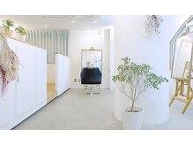 ジーナ(JINA)の雰囲気(個室完備のお客様の気持ちに寄り添い落ち着いた空間。 髪質改善)