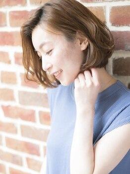 アーサス ヘアー デザイン 上野店(Ursus hair Design by HEAD LIGHT)の写真/【PLATINUMカラー+カット¥4100~/フルカラー¥5100】綺麗が長持ちするグレイカラーは透明感ある色味が人気♪