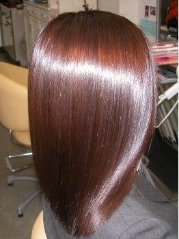 カットイン マユミ(MAYUMI)の写真/シャンプーのCMのような…感動のツヤ髪が叶う【M3D(エムスリーディー)】で大人の艶めき美髪に!