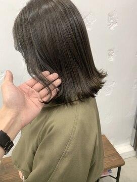 ベニス(VENICE)伸ばしかけロブと暗髪