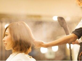 アンセム(anthem)の写真/妥協を許さない職人技で、ダメージレスな髪へ。秘訣はナノ単位の高圧スチームと高濃度の栄養剤にあり◎
