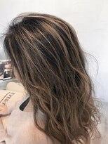 ルーナ ヘアラウンジ(Luuna hair lounge)バレイヤージュ
