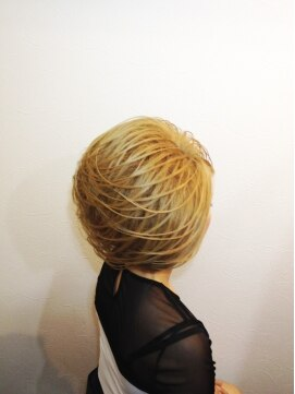 結婚式の髪型(スジ盛りヘアアレンジ) スジスジスジアップ