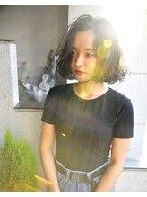 ルーナヘアー(LUNA hair)『京都ルーナ』 クセ毛風ウエットボブ 【草木真一郎】 濡れヘア