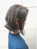 ヘアーデザイン アコースティック(Hair Design ACOUSTIC)外ハネボブ×グレージュ