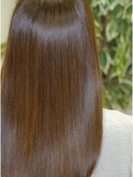 ブルネット(Brunette)の写真/《プレミアムトリートメント》特別に調合したリフォームケラチンで髪の芯から補修!約4週間続く絹の様な質感