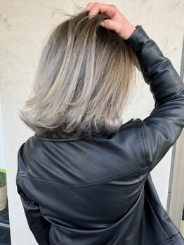 ルララドゥの写真/【西新井】《カット+カラー¥6930~》プチプラでトレンドカラーが叶う☆ダメージレスで透明感溢れるツヤ髪に