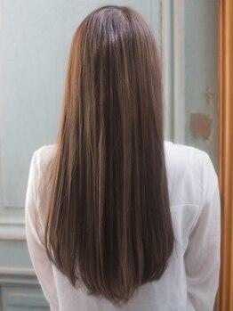ロッソ ヘアアンドスパ 北千住店(Rosso Hair&SPA)の写真/圧倒的ツヤ髪になれるオージュアTR♪本格TRなのに通いやすい価格が魅力☆乾燥対策はお任せ!【北千住】