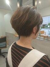 トキ(tokii)「tokii」 お家でも簡単にできるひし形小顔ショ-トスタイル