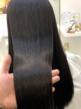 アリュックス(ALUX)の写真/≪素髪をキレイに≫あなただけのフルオーダーメイド髪質改善で、柔らかく、繰り返す程キレイな髪に―。