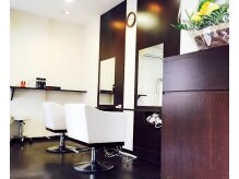 ネオフィール 北サンジュウヨン条店(hair produce NEO FILL)の雰囲気(北34条駅2番出口からすぐでアクセス便利♪)