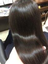 ヘアケアサロン シェーン(hair care salon Schon)やばトリでツヤツヤ、グレージュカラーで明るすぎず、人気カラー
