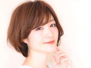グラッシー (GLASSI)の写真/白髪をオシャレに染める【ハイライト】が大人気!白髪を『ぼかす・いかす』カラーを楽しめる似合せカラー♪