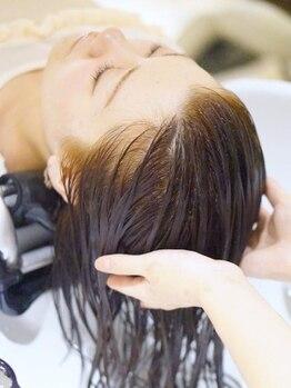 ルクール 北浦和本店(Lecoeur)の写真/高濃度炭酸泉ヘッドスパで身体の内側からケア!マッサージでリラックスしながら頭皮と髪を健康的な美髪へ♪