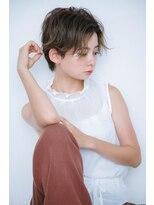 ルカ リノア(Luca lino:a)【小顔に魅せる】センターパートハンサムショート