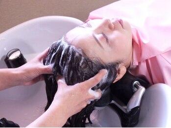 ヘアーサロン アンジュロ(hair salon angelo)の写真/《オトナ女性の為のケアコース新登場★》エイジレスBeautyスパで,髪&地肌ケアと顔のリフトUPが同時に叶う♪