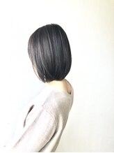 トレパルッキエーレサカイ(tre parrucchiere sakai)[-tre-] イルミナカラーonグレージュボブ