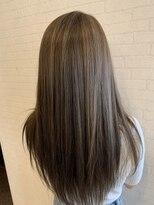 アヴァンティ ヘアーアンドスパ(avanti hair&spa)グレージュブラウンハイライトスタイル