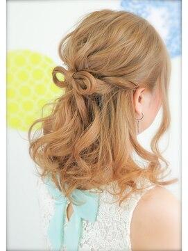 結婚式髪型 ミディアムハーフアップ 髪の毛で作るリボン☆ゆるめハーフアップ 結婚式 二次会