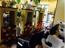 オークヘアープリュム 天神店(OAK hair plume)の雰囲気(フルフラットのシャンプー台でシャンプー時間も極上タイム♪)