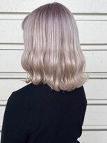 ルッツ(Lutz. hair design)ホワイトベージュ