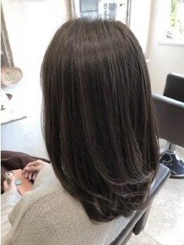 ザシラ 市川南店(THE SIRA)の写真/忙しいおとな女性に大人気!小顔効果×再現性抜群の扱いやすいヘアが叶う☆毎朝のセットが楽しくなる♪