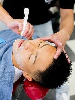 バーバーゼロ(BARBER ZERO)の写真/ひげと眉を整えれば、清潔感のあるビジネスマンに!理容室ならではの極上のお顔剃りを、お手頃価格で提供◎