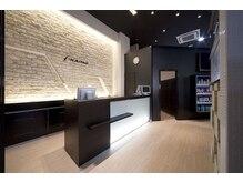 カイノ イオンモール福岡店(KAINO)の雰囲気(白と茶色を基調とした店内でたくさんの商品を取り扱っております)
