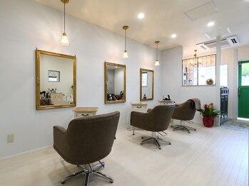 ヘア アトリエ チェスター(Hair Atelier Chester)の写真/【アンティーク調のお洒落サロン】寛げる上質空間で、幅広い世代の「キレイ」や「カッコいい」を演出☆