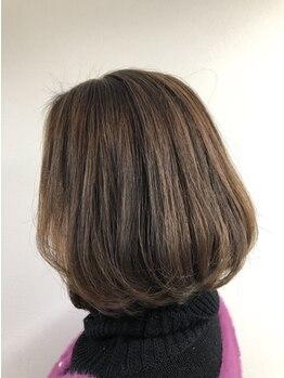 """ヘアーリゾート ラ シック(hair resort La chiq)の写真/明るい白髪染めも叶うから、ファーストグレイの方にもオススメ◎あなたの""""なりたい""""髪色を叶えます★"""